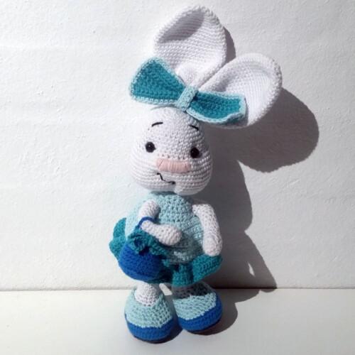 Hæklet kanin med kurv | 100% bomuld