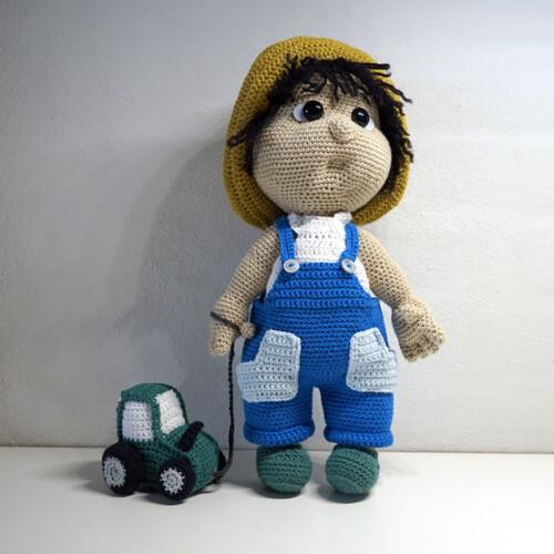 Hæklet Farmer Ib med traktor