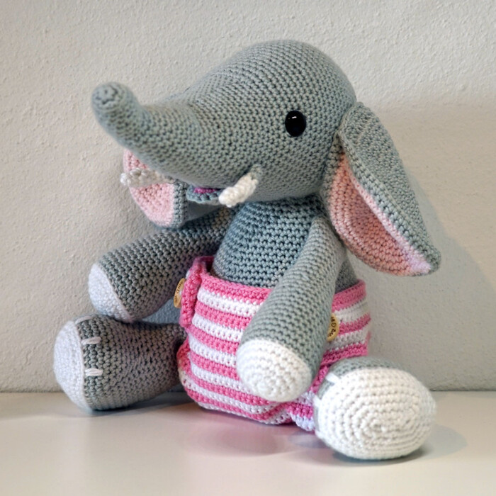 Haeklet-Elefant-Baby-Elvira